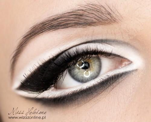 Makijaż graficzny: czerń i biel Wizaż: Monika Mitraszewska