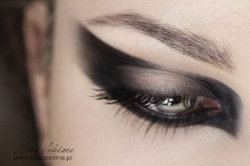Makijaż graficzny: Frankie Morello Wizaż: Monika Mitraszewska