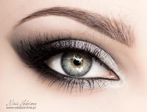 Metaliczny makijaż oczu
